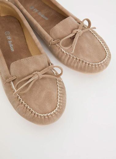 DeFacto Kurdele Detaylı Loafer Ayakkabı Bej